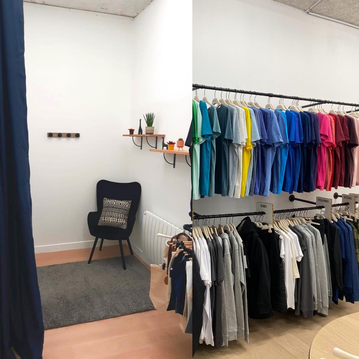 Cabine essayage dans showroom de Tshirt Bio personnalisé